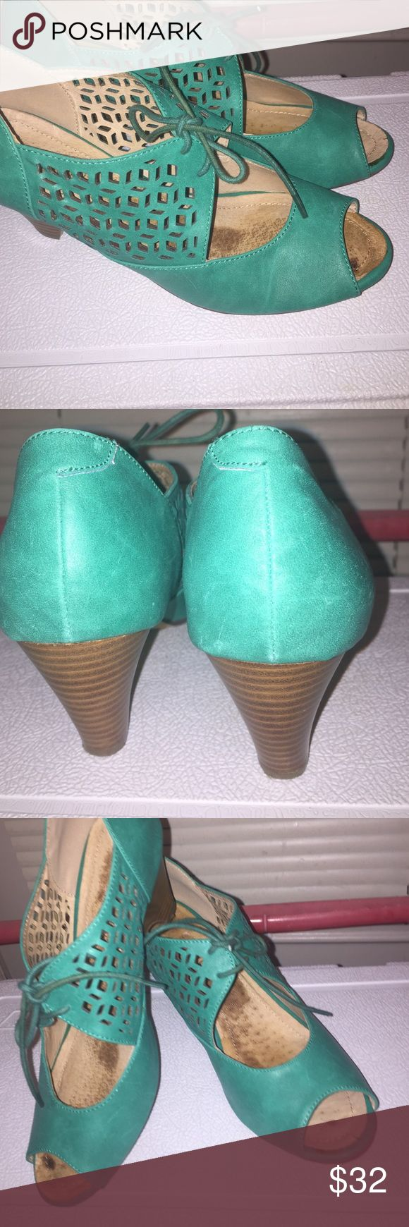 Chelsea shoes size size 8 These are a beautiful teal color Chelsea Modclh can be. Vintage inspired draw  strin gas some disclosure in center were the pad was no marks on shoes  😉size 8 wedged lol Chelsea & Zoe Shoes Wedges