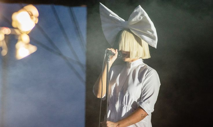 Sia Furler, the remarkably private Australian singer-songwriter, has responded to an obvious attempt to sell her nude photos by posting the image on Twitter herself.  The singer, who regularly covered face masks, wigs or even a paper bag, when released in public, say the photo in a cheerful tweet.   #Adele #Australian singer songwriter #Beyonce #Katy Perry #Rihanna #Sia Furler