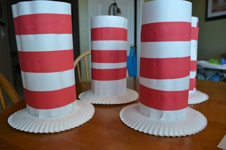 Need a quick and easy costume idea for #Halloween?  You can make these clever Dr. Seuss Hats from paper plates!  With a little imagination, you could adapt them into Abe Lincoln, Mad Hatter or leprechaun hats. From Mamas Like Me. #crafts #kids