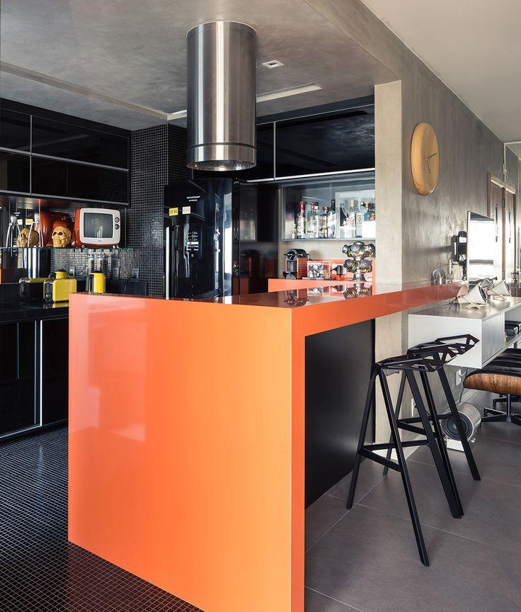 Decoração descolada. Veja: http://www.casadevalentina.com.br/projetos/detalhes/clima-descolado-em-85m--557 #details #interior #design #decoracao #detalhes #decor #home #casa #design #idea #ideia #charm #modern #moderno #charme #casadevalentina #kitchen #cozinha