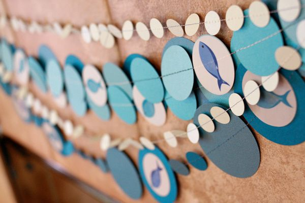 Layers of circle garland--different sizes and colors leads to an interesting and lively decoration!