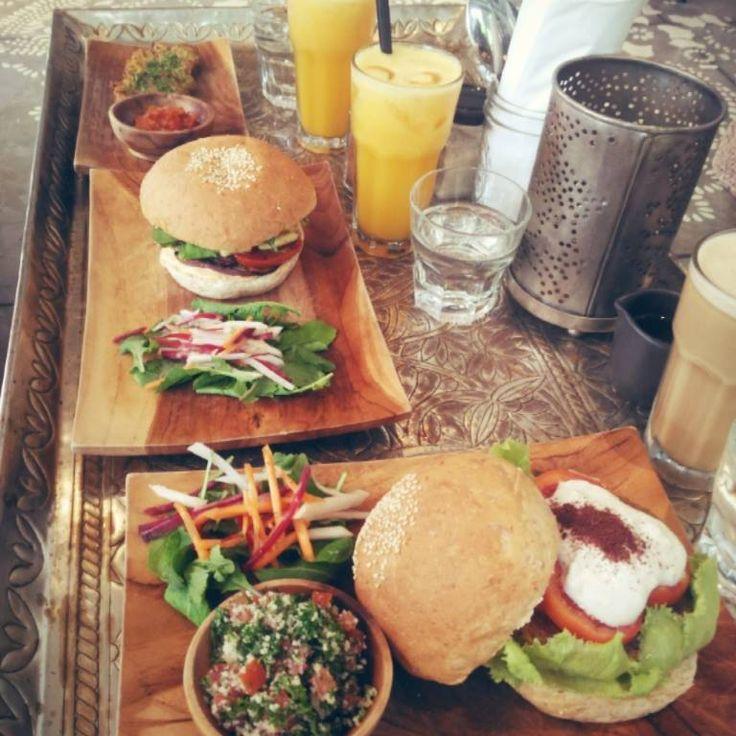 Ngecafe sekali sekali. Courtesy of Didiek Aja in #facebook. #cafecouscous #bali #seminyak #umalas #veggieburger #burger #healthyeats #morrocan