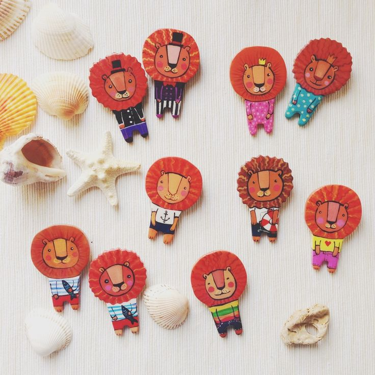 #Mode #texture #vogue #style #craze #Rage #Fashion #Pin #Brooch #Broach #Handmade #Tree #Wood #Tissue #textile   #fabric #Cloth #Material #Web #Painting #Drawing #design #originally #individually #sweet #girl #beads  #embroidery    #lion