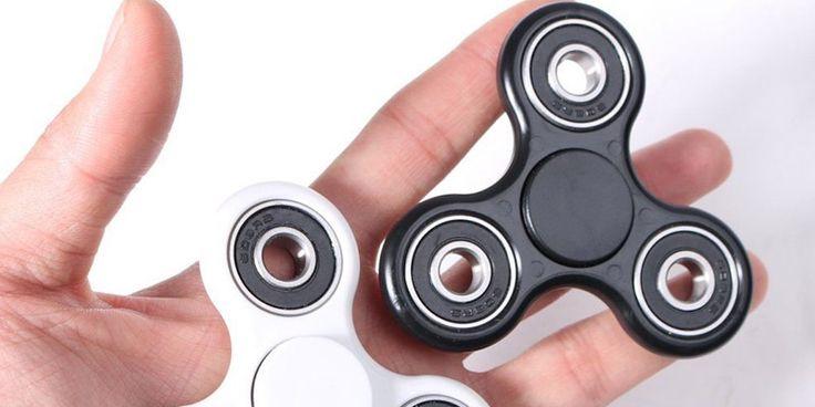 Ce este un Fidget Spinner? Jucaria Antistres atat de Populara