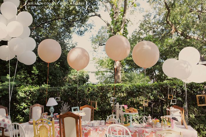 WHERE can I get large balloons like this? I NEED for Isla's party!