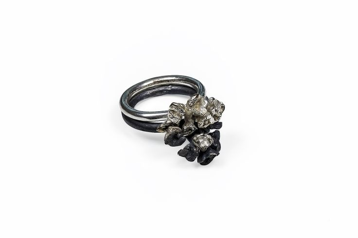 Intersecting Bouquet Rings, Black and White (Both Silver)