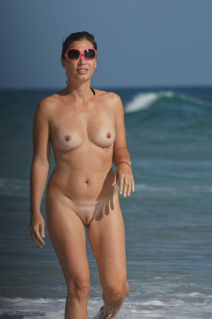 nayantara nude naked at beach