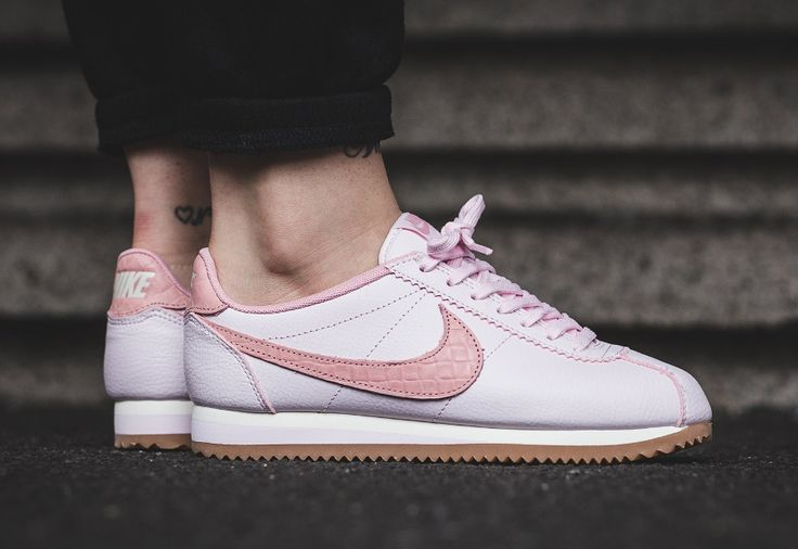 #Nike Cortez Leather Lux Croc Pearl Pink Gum (femme)