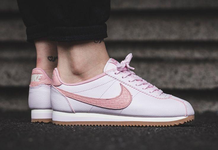 #Nike Cortez Leather Lux Croc Pearl Pink Gum (femme)