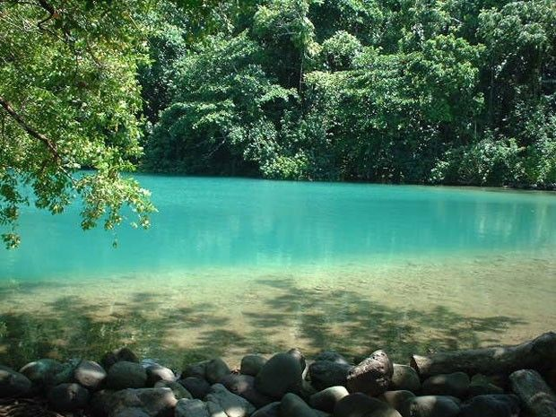A Lagoa Azul fica na Jamaica