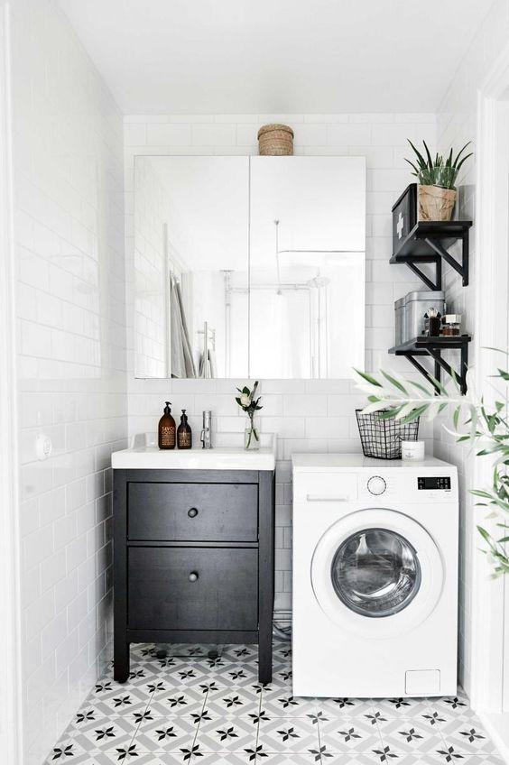 De ideale wasruimte: hoe ziet die eruit? Deze zeven voorbeelden laten zien hoe je een wasruimte inricht en hoe de was doen leuk wordt! Lees hier meer
