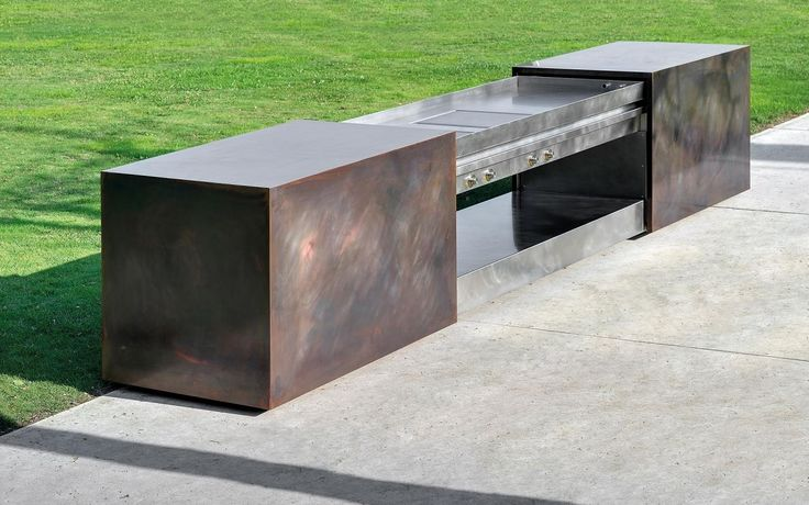 Minotti Cucine Aura outdoor kitchen