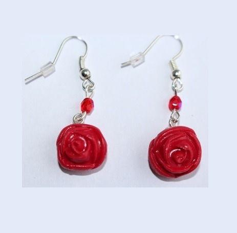 Boucles d'oreille rose rouge, crochets argentés : Boucles d'oreille par ludifimo