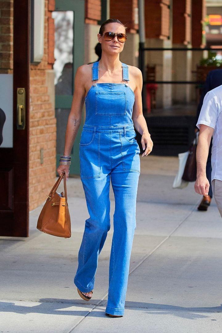 Obľúbený fashion kúsok celebrít? Jednoznačne džínsy na traky!   Emma.sk