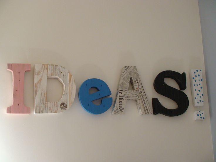 Letras realizadas con tablas de palet reciclado
