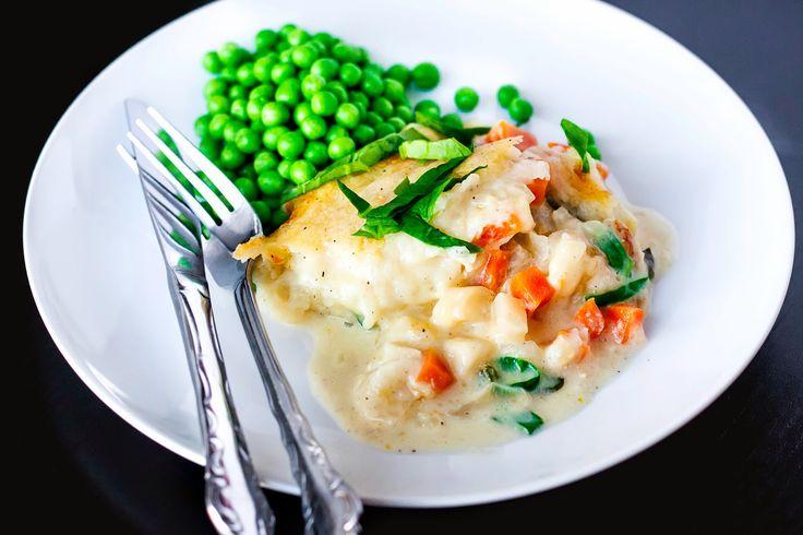 Himmelsk Fish pie     En super lækker og smagfuld fiskeret som også børn vil kunne lide. Jeg synes det er en rigtig hyggeret og en lækker...