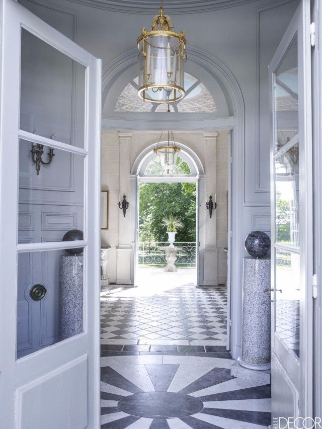 11 decorating tips on how to style an impressive entrance for Entrance hall design