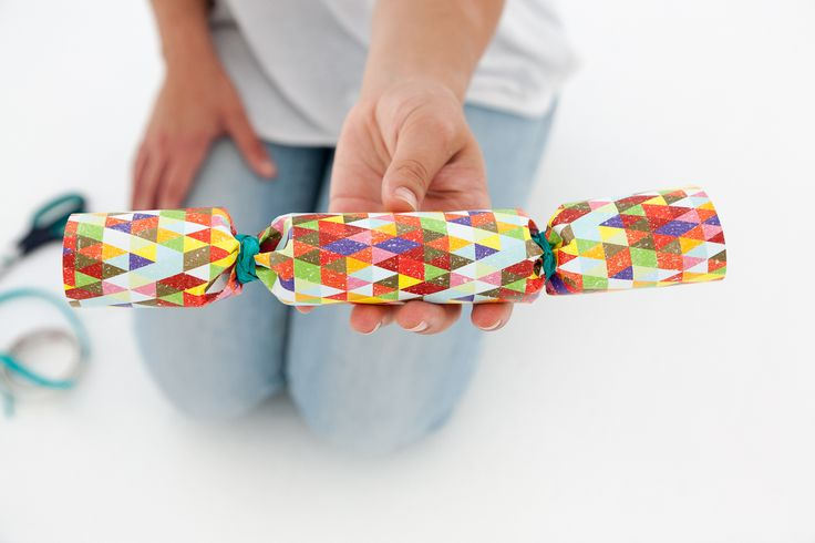 Do It Yourself! Festive Crackers! http://www.ormsprintroom.co.za/news/?post=40392