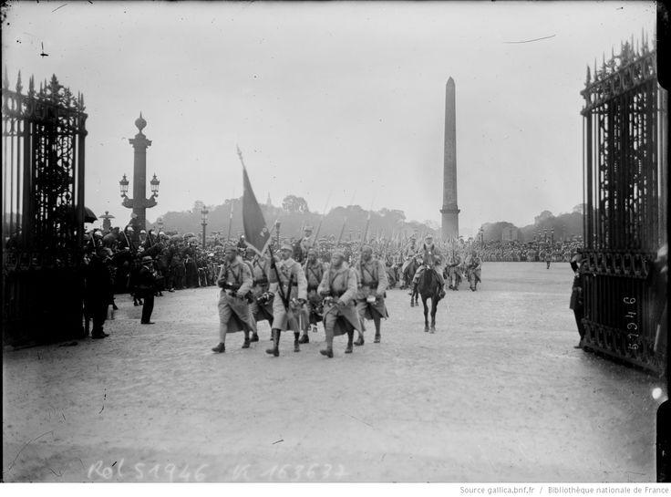 14/7/18, les Polonais [défilé des troupes, place de la Concorde] : [photographie de presse] / [Agence Rol]