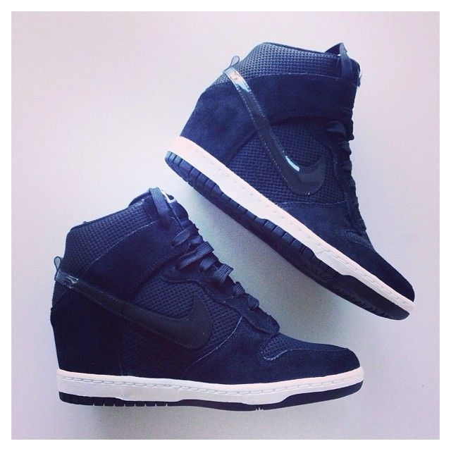 official photos 868b0 cfa7a Nike Dunk Sky Hi.  Click Ur Heels  Pinterest  Sneakers, Shoe boots and  Nike shoes