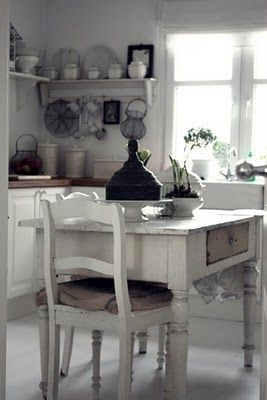 farmhouse kitchen...==== rustic  cottage  style !