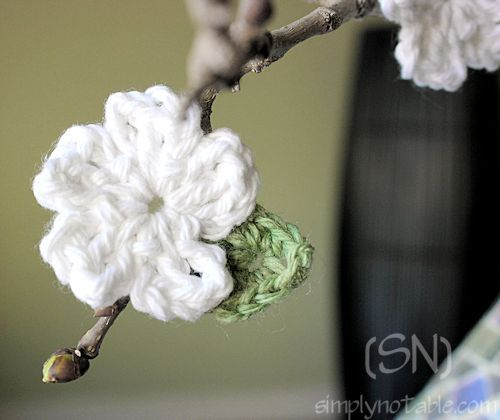 the little citrus blossom pattern ♥  There is also a link for the leaves pattern.