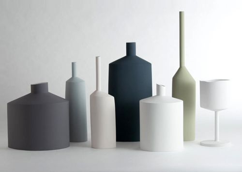 Simple lines - vases from Kose. This company from Milan, Italy, brings classic lines and classic materials together into beautiful vases, handcrafted from clay.