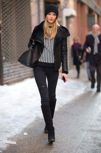 Schwarze Lammfelljacke, Schwarze Enge Jeans mit Destroyed-Effekten, Schwarze Kniehohe Stiefel aus Wildleder, Schwarze Leder Umhängetasche für Damenmode