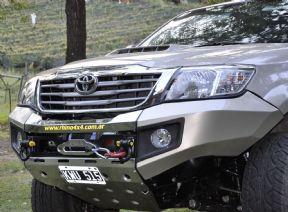 2005 -2011 Toyota Hilux Winch bumper