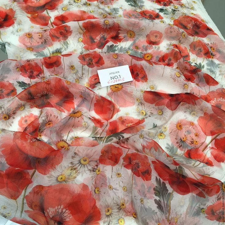 Купить или заказать Шифон Dolce Gabbana в интернет-магазине на Ярмарке Мастеров. 100% Воздушный шелковый шифон Dolce Gabbana с принтом из маков и ромашек. Прекрасно подойдет для сарафанов в пол и летящего платья, блуз, юбок. Производство: Италия.