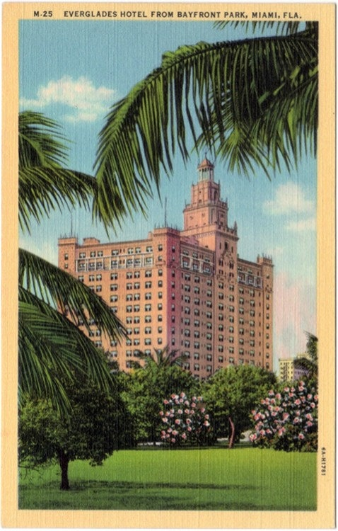 Vintage Florida Postcard - Everglades Hotel from Bayfront Park, Miami (Unused)