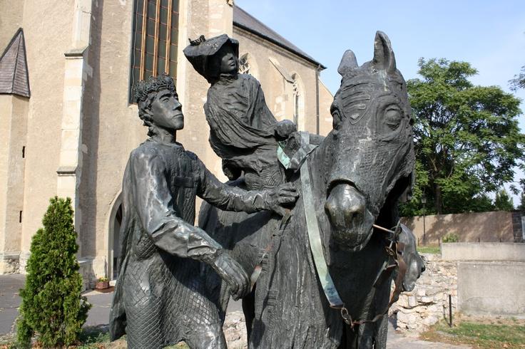 Sárospatak, Elizabeth of Hungary and Ludwig IV of Thuringia statue, Hungary