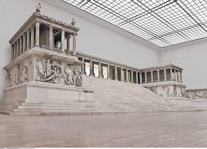 Geschichtstrachtig Der Pergamonaltar Im Ausnahmsweise Menschenleeren Saal Mit 1 26 Millionen Besuchern 2013 Ist Das Pergamonm Antikes Rom Museum Insel Tempel