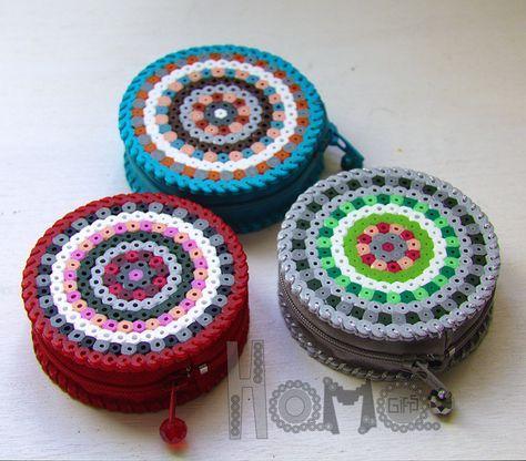 Hama: Red-grey-turquise purse perler