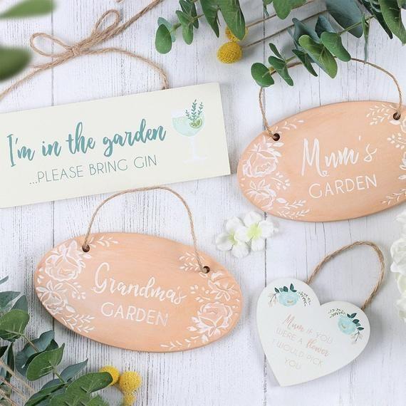 "/""Mum/'s Garden/"" Hanging Terracotta Garden Sign Brand New and Boxed Plaque"