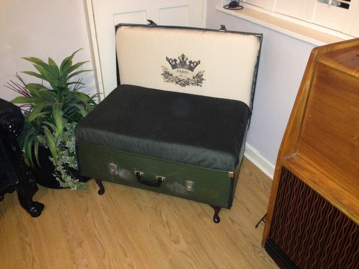 Our suitcase chair from the Recreate workshop