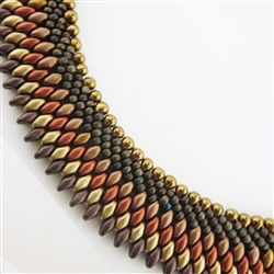 A classic kumihimo pattern beaded on the kumihimo disk.  Kit includes beads and full instructions.