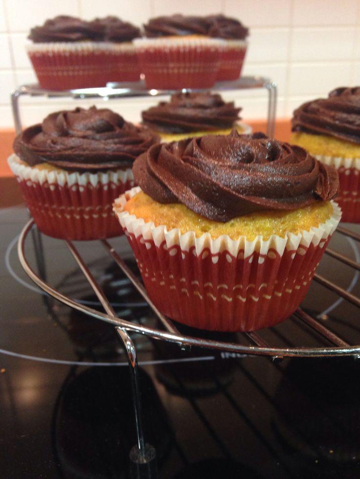 Cupcake de naranja y chocolate