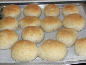 Barolo - Gourmetblog: Langtidshævet Kærnemælksboller