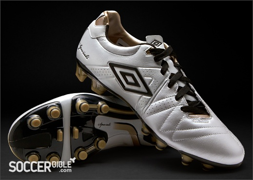 Umbro Speciali 3 Pro Football Boots - White/Black/Pewter - http://www.soccerbible.com/news/football-boots/archive/2012/06/21/umbro-speciali-3-pro-football-boots-white-black-pewter.aspx