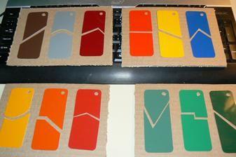 SMYSLOVÁ VÝCHOVA Destičky na přiřazování dle barvy a tvaru. Líbí se mi montessori klíče a tak jsem přemýšlela, jak je udělat a pak mě napadlo spojit barvy s něčím techničtějším. Žádné dva nemají stejný výřez.