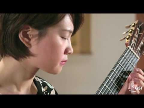 Autumn Leaves - Yenne Lee plays 2004 Pepe Romero Jr. - YouTube