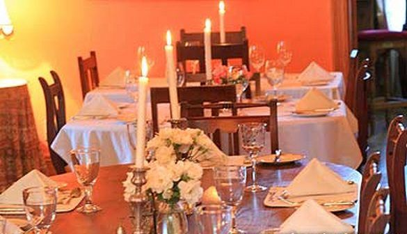 The Willow Historical Restaurant  a la Carte Restaurant in Willowmore, Eastern Cape Click on link for more info  http://www.wheretostay.co.za/restaurants/thewillowres/  We have a charming restaurant with a welcoming atmosphere. A cozy fire place for winter months take the chill off the icy Karoo winter.