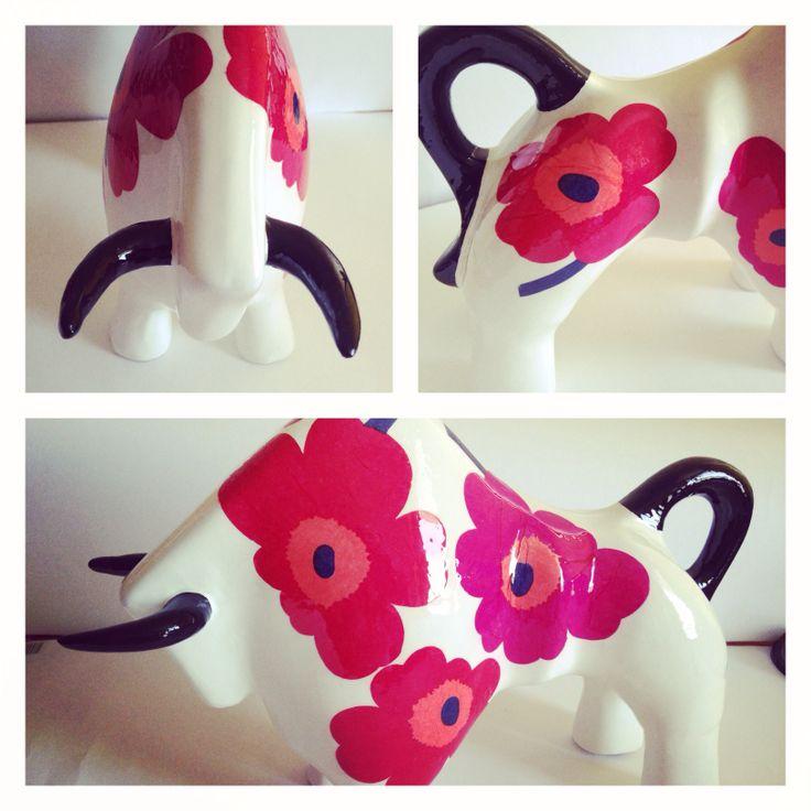 Toro pedido especial con flores Marimekko