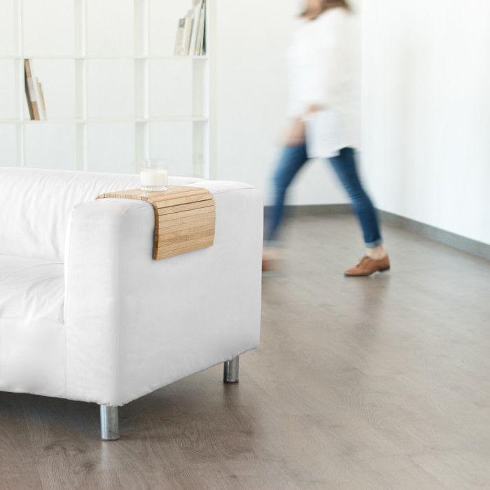 Bientôt sur www.ventescreateurs.com, ce plateau au design élégant en bois massif de chêne.