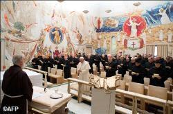 P. Cantalamessa első adventi prédikációja a Vatikánban: Az egyház reformjához előbb meg kell tagadnunk önmagunkat és követnünk kell Jézust