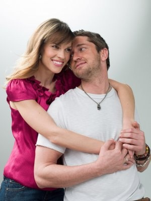 Gerard Butler & Hilary Swank in P.S. I Love You <3<3