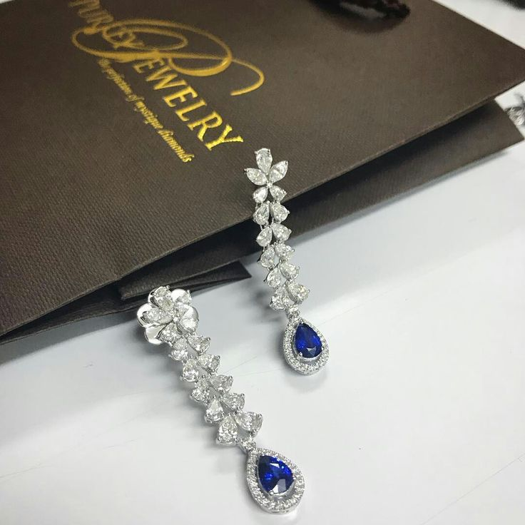 Beautiful #Sapphire Earrings made from pure dedication @pjgrp . #ceylonsapphire #qualityjewellery