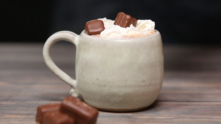 Recipe with video instructions: Why simply eat a chocolate bar when you can have it as a warm, yummy drink instead? Ingredients: Serves 1, 30g mars bars, roughly chopped, 250ml milk, Squirty cream, Malted powder and mini mars to decorate