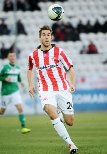 Jan Hošek, obrońca, prezentuje FairSport, agent piłkarski